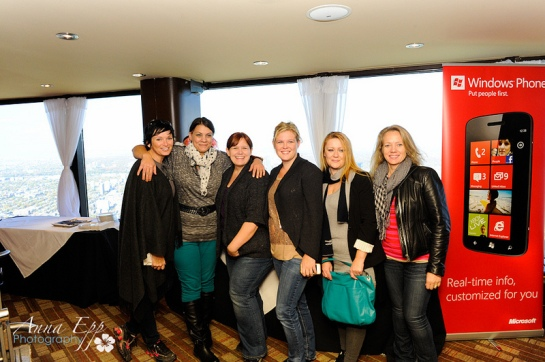 Blissdom Canada, CN Tower Edge Walk, women, team, photograph
